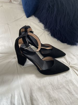 Heels size 5 1/2 for Sale in Rialto, CA