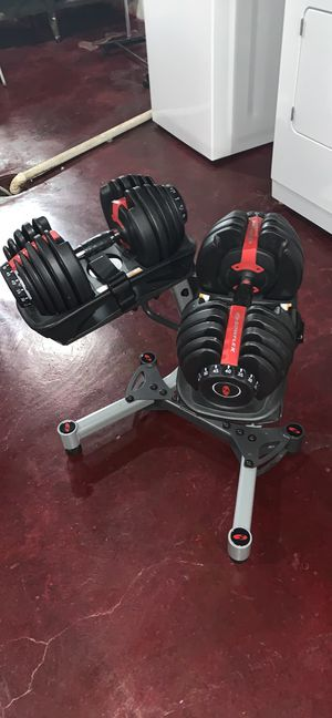 Bowflex 552 adjustable dumbbells + stand for Sale in Saint Charles, MO