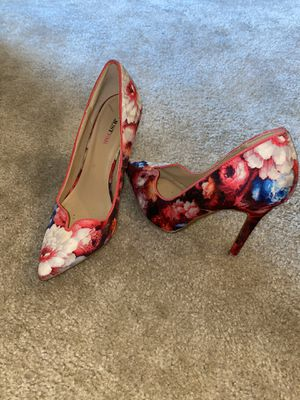 Flower Heels size 6.5 for Sale in Severn, MD