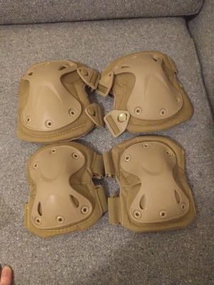 Adjustable airsoft skateboard knee and elbow pad for Sale in Detroit, MI