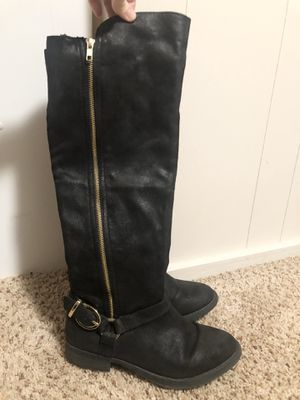 Black boots w/ Gold Zipper : Womens size 7 for Sale in Canby, OR