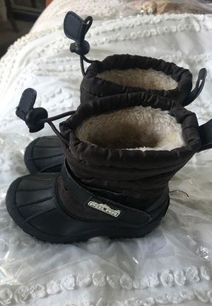 Size 27 kids snow/rain boots for Sale in Pico Rivera, CA
