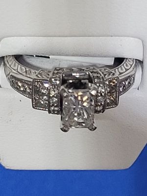 Radiant cut diamond ring for Sale in Greensboro, NC