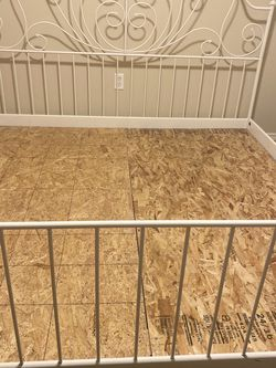 King Bed for free for Sale in Happy Valley,  OR