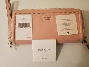 Pink Kate Spade Wallet for Sale in Oakland Park, FL