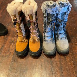 Snow Boots Size 3 for Sale in Hacienda Heights, CA