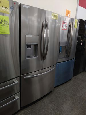 New Frigidaire 26.8 cu.ft French Door Refrigerator for Sale in Chino, CA