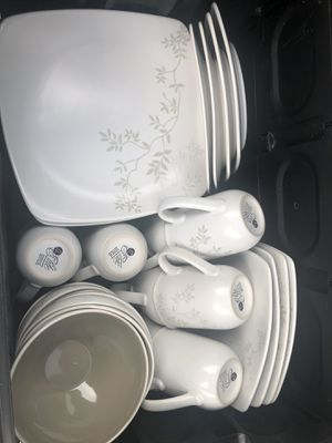 Dish set for Sale in Fresno, CA