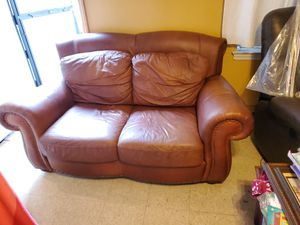 Leather loveseat Good condition. for Sale in The Bronx, NY
