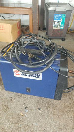It works! Campbell hausfeld welder for Sale in Orlando, FL