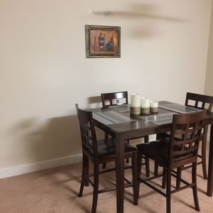 Dining room set for Sale in Oxon Hill, MD
