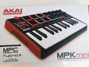 Akai MPK Mini Professional for Sale in Ladera Ranch, CA