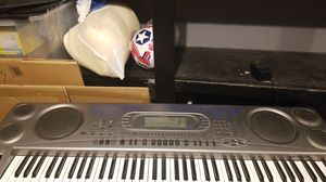 Casio wk-1630 keyboard with synthisizer for Sale in Chicago, IL