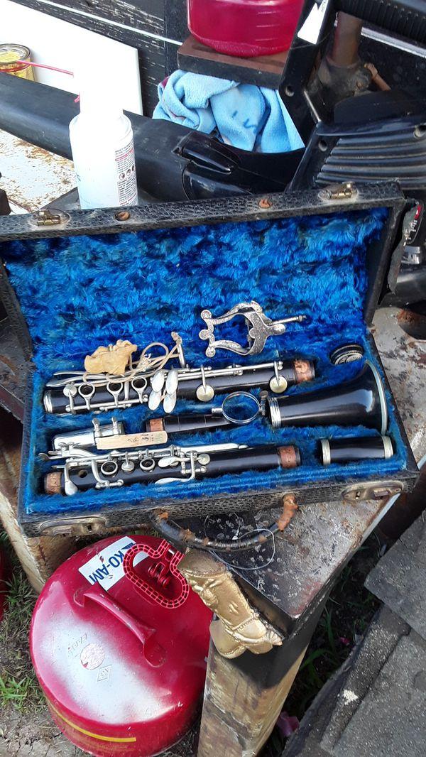 Vintage clarinet.. make make a good offer