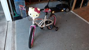 HELLO KITTY BIKE for Sale in Raleigh, NC