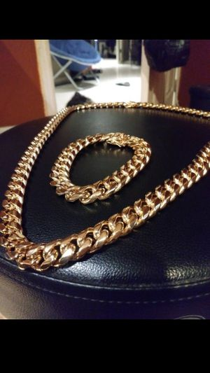 $140...14k gold plated Cuban Link chain and bracelet.....🌴🌟🌠💯 for Sale in Hollywood, FL