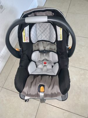 Chicco infant car seat with base for Sale in Homestead, FL