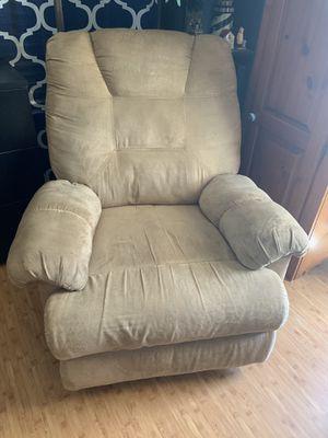 Free recliner for Sale in Santa Maria, CA