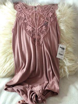 Size XS Charlotte Russe pink onesie for Sale in Felton, DE