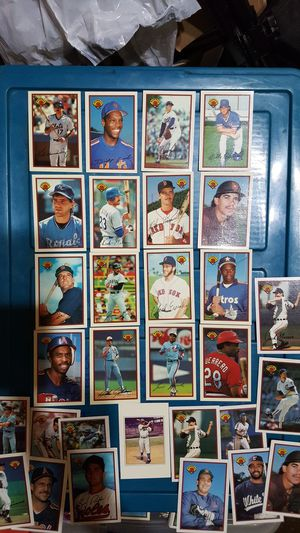 1989 bowman tiffany baseball card lot plus reg 89 bowman for Sale in Brooklyn, NY