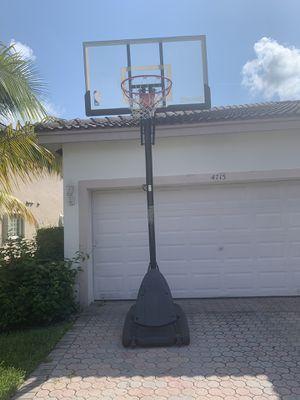 Basketball hoop for Sale in Tamarac, FL