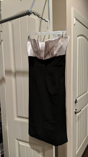 Women's size small white and black slim fit tube top dress for Sale in Nashville, TN