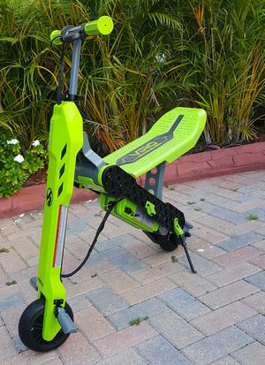 Scooter 2-in-1 standing and seating electric scooter for Sale in Port St. Lucie, FL