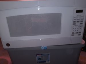Ge 1.4 cf microwave for Sale in Bloomington, IL