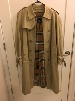 Men's Burberry trench coat for Sale in Chevy Chase, DC