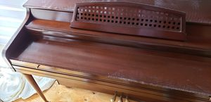 Piano for free. Cannot take with me. Need it picked up. for Sale in Midlothian, VA