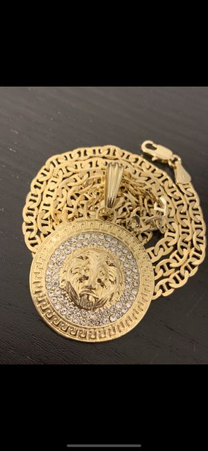 14k gold Mariner chain and lion face diamond charm for Sale in Tampa, FL