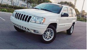 Beautiful 2004 Jeep Grand Cherokee AWDWheels for Sale in Miami, FL