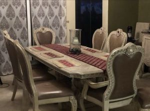 HIGH END DINING TABLE FOR SALE for Sale in Opa-locka, FL