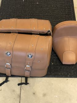 Indian Scout Tan Leather Saddle Bags W Seat for Sale in Fontana,  CA