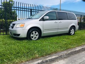 2010 DODGE GRAND CARAVAN SXT STOW AND GO for Sale in Fort Lauderdale, FL