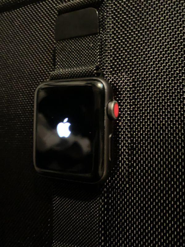Apple Watch Series 3 42mm Nike + LTE