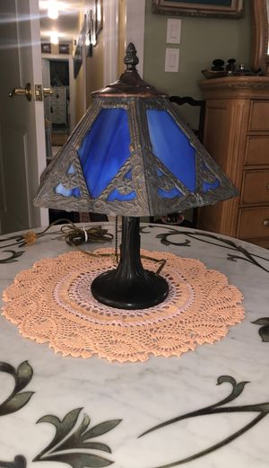 ANTIQUE STAINED GLASS BRONZE LAMP for Sale in Boca Raton, FL