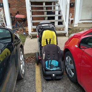 1 Stroller And 2 Car Seat For Free, No Holds First Come Take Them for Sale in Columbus, OH