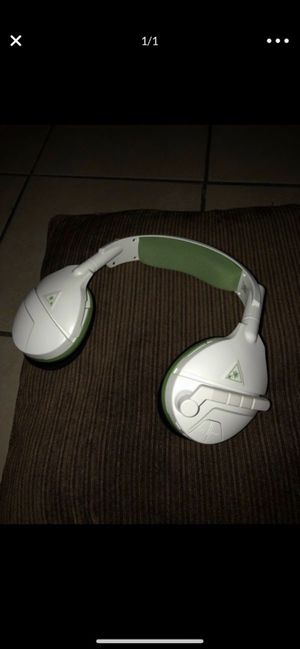 Turtle beach headset + Xbox one control for Sale in Fort Worth, TX