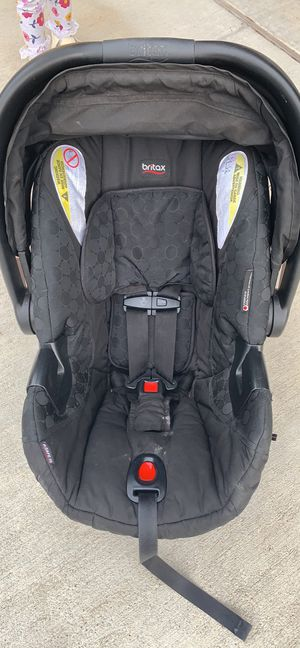 Britax infant Carseat & 2 bases for Sale in College Station, TX