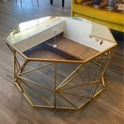 Large Gold Mirrored Coffee Table for Sale in Annandale,  VA