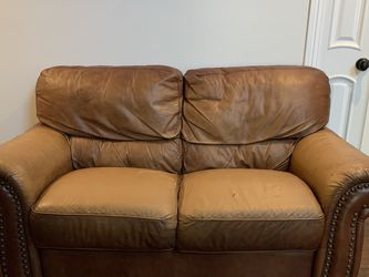 Free Brown leather sofa for Sale in San Dimas,  CA
