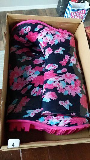 Girls rain boots size 4 for Sale in Glendora, CA