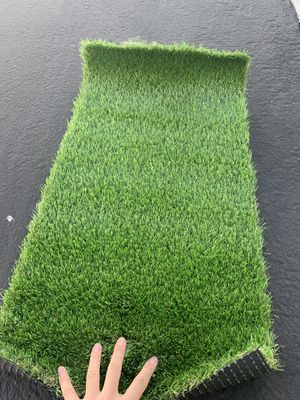 """32"""" x 16"""" artificial grass small piece for pet area outdoors indoor for Sale in Ontario, CA"""