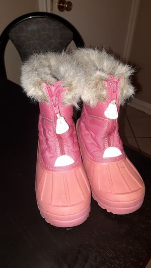 Snow boots for girl size 1 for Sale in Santa Ana, CA