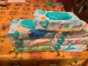 7 wipes Pampers for $10 (price is firm)(pick up only) for Sale in Houston, TX