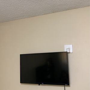 TCL Roku TV for Sale in Lake Elsinore, CA