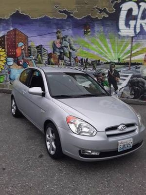 GORGEOUS 2007 Hyundai Accent GS, like new, lot of work done on it (hablo ESPAÑOL) for Sale in Seattle, WA