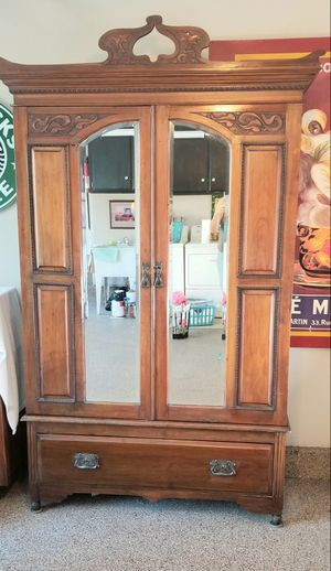 Antique Armoire for Sale in Tustin, CA