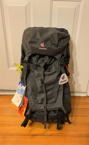 Deuter Woman's Travel Backpack- Futura Vario 45+10 SL for Sale in Chicago, IL